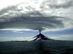 augustine-volcano-alaska-cyrus-read-usgs-2006-small_original